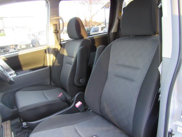 トヨタ ノア Si 4WD 両側パワースライドドア 純正HDDナビ