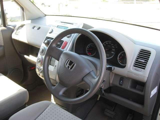 ホンダ モビリオ A 4WD