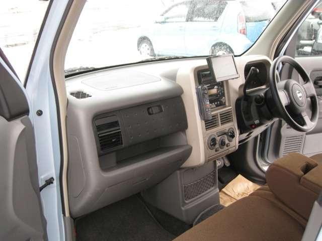 日産 キューブ SX 4WD 社外DVDナビ