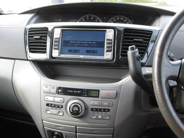トヨタ ヴォクシー X 4WD