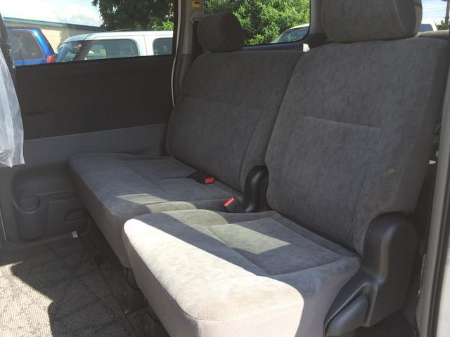 トヨタ ヴォクシー X 4WD 両側スライドドア CD キーレス オートエアコン