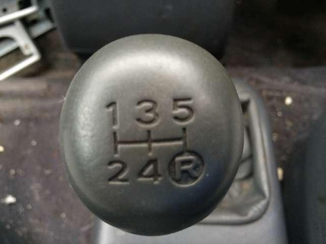 トヨタ エスティマ・ルシーダ X 4WD ディーゼルターボ 5速マニュアル