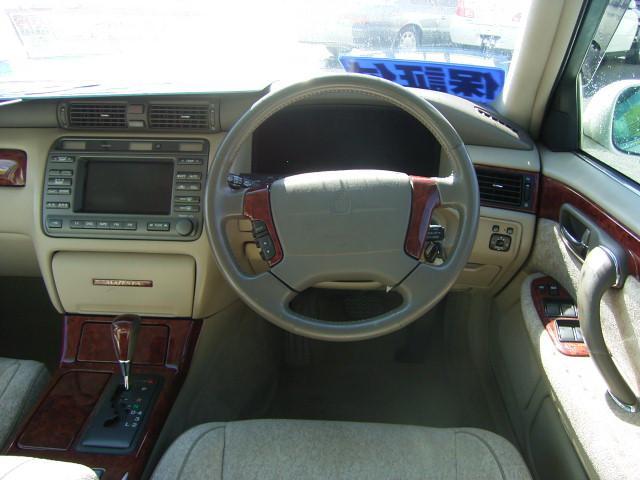 トヨタ クラウンマジェスタ 3.0Aタイプ
