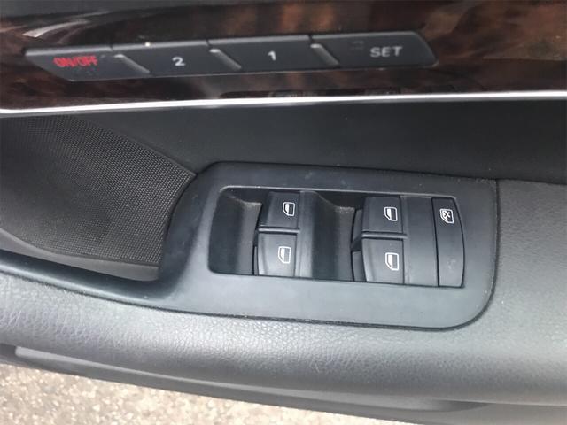3.2FSI 4WD ナビ バックカメラ 革シート AW HID ETC 5名乗り SUV クルコン スマートキー パワーシート(15枚目)