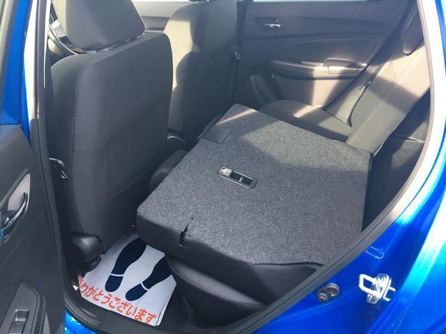 リヤシートは前に倒すことが可能!荷室が広がります。