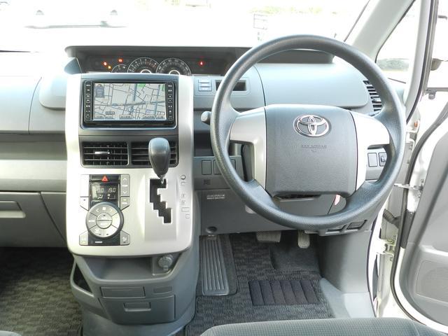 トヨタ ヴォクシー X Lエディション 8人乗り 両側スライドドア ナビ ETC