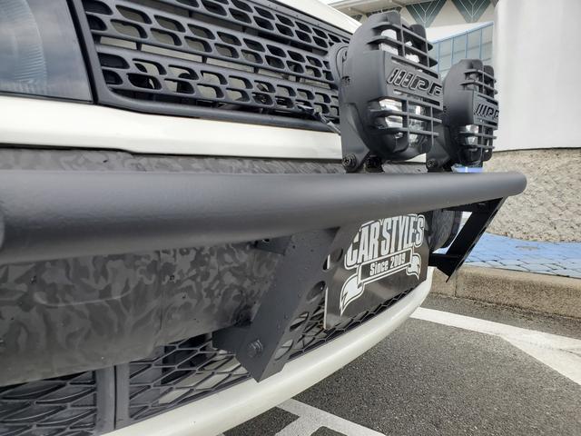 DXコンフォートパッケージ CARSTYLE.Sオリジナルバンパー IPFフォグランプ ナビTV付 リフトアップ 新品マッドタイヤ 新品スーリーキャリア ラプターライナー施工車 カーラッピング施工車 4WD(6枚目)