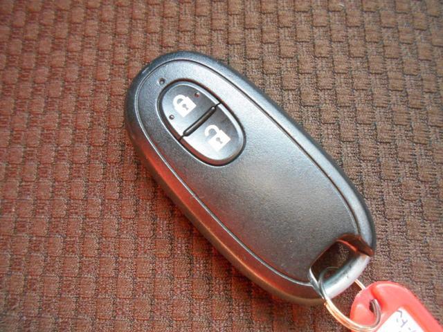 とっても便利なキーフリー!鍵の開け閉めからエンジンのスタート・ストップまで、鍵をポケットに入れたままで出来ちゃいます♪