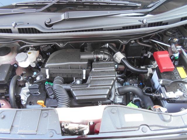 エンジンルームです!厳選仕入れ、入庫時の徹底的なチェックを通過した車のみを展示しております!ご安心くださいませ♪