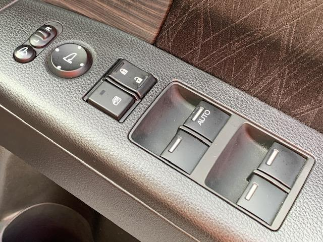 アブソルート 社外SDナビ フルセグTV DVD再生 Bluetooth プッシュスタート キーフリー2個 パワスラ 横滑り防止 アイドリングストップ ETC 純正フロアマット 純正17インチアルミ LEDライト(35枚目)