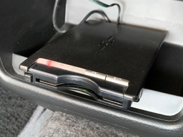 L レーダーブレーキサポート キーレス アイドリングストップ 横滑り防止 AUX端子付き純正CDオーディオ シートヒーター ETC 純正ドアバイザー フロアマット 盗難防止センサー エアバッグ ABS(20枚目)