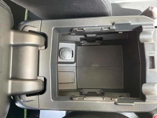 2.0i-L アイサイト ETC バックカメラ キーフリー プッシュスタート 4WD(25枚目)