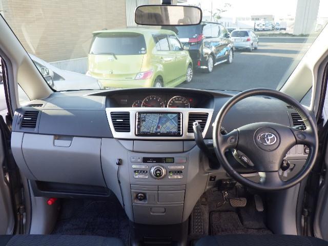 トヨタ ヴォクシー Z 煌 4WD ナビ Bカメラ ETC 両側パワースライド