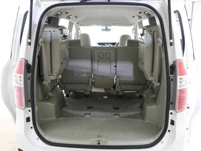 X スマートエディション ワンオーナー 3列シート 8人乗り HDDナビ 地デジ バックカメラ DVD再生 両側パワースライドドア 自動点灯式HIDライト プッシュスタート スマートキー イモビ ETC 禁煙車(28枚目)