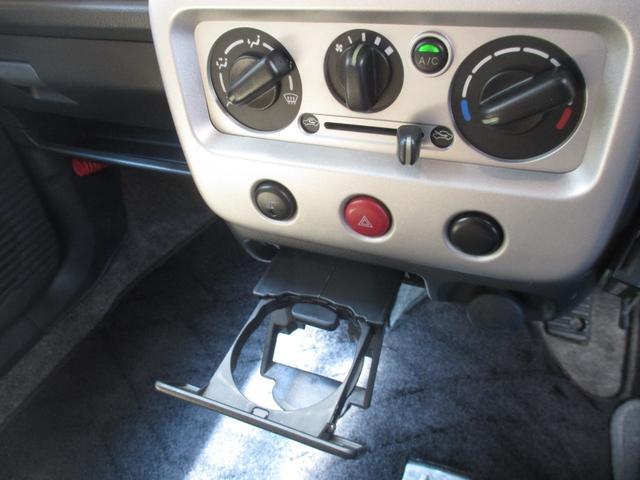 X 4WD シート・ミラーヒーター ETC 純正13インチアルミホイール 純正CD・MD キーレス(13枚目)