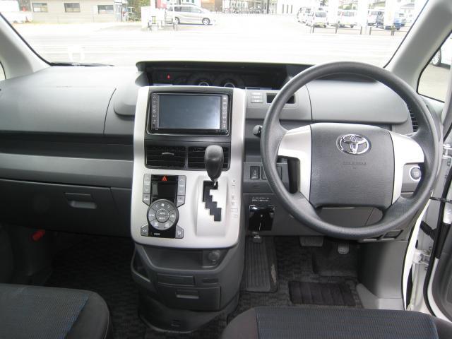 トヨタ ヴォクシー Z バックモニター HDDナビ オートスライドドア