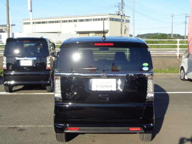 G・ターボLインテリアカラーパッケージ ニューヨークダークスタイル 衝突軽減ブレーキ ETC HIDヘッドライト 360度スーパーUV IRカットUVカットパッケージ オートリトラミラー 運転席助手席シートヒーター スタッドレスタイヤ(4枚目)