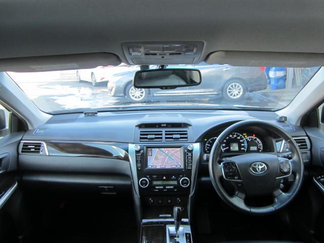 トヨタ カムリ ハイブリッド レザーパッケージ メーカーHDDナビ フルセグ