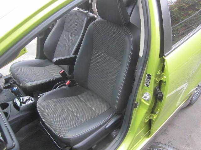 トヨタ アクア X-アーバン コミコミ特選車  1オーナー 純正9型ナビ