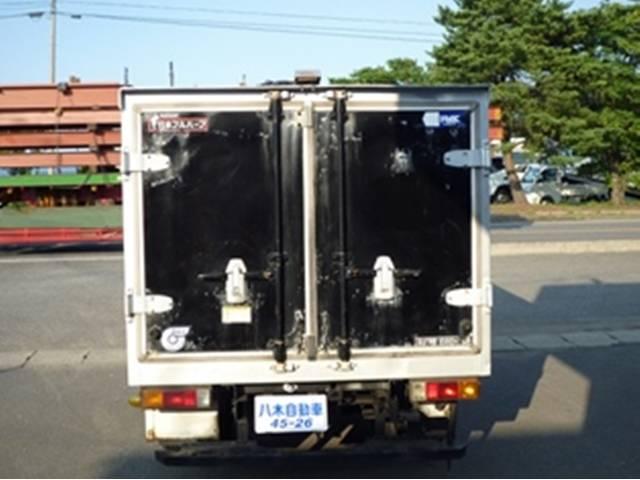 三菱ふそう キャンターガッツ 冷蔵冷凍車 4WD