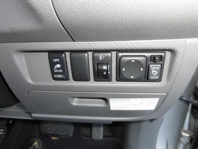 三菱 ランサーカーゴ 16G オートマ PW 社外ナビ 4WD