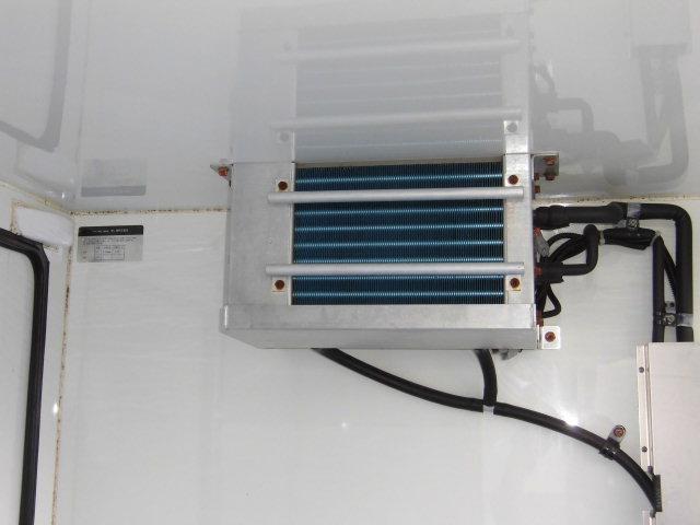 冷蔵冷凍車 4WD(17枚目)