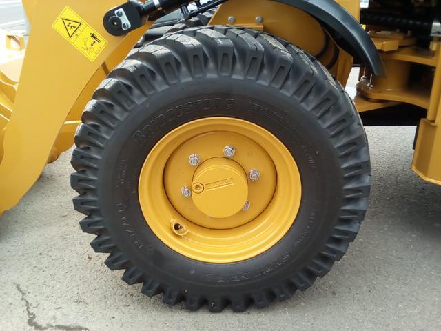 CATホイールローダー902C2除雪仕様0.6立米 280h(16枚目)