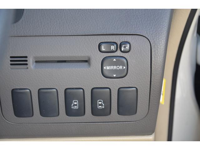 AX Lエディション 4WD 後期型 両側パワースライドドア フルセグ地デジメモリーナビ Bluetooth DVD再生 バックカメラ 8人乗り キーレス HIDヘッドライト ETC アルミホイール リアオートエアコン(11枚目)