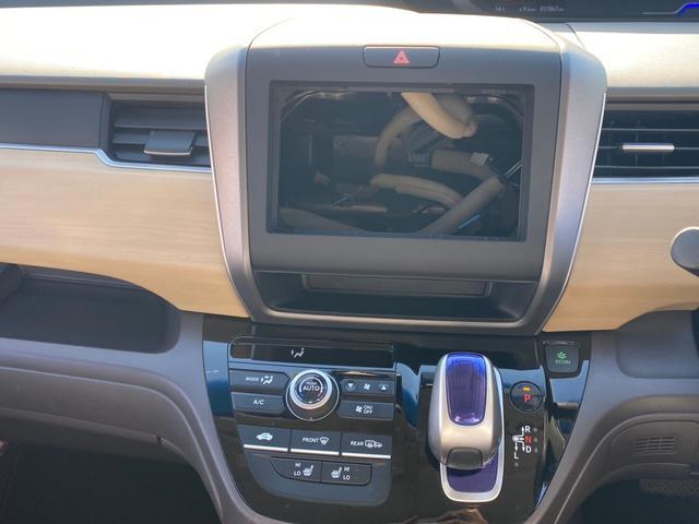 ハイブリッド・Gホンダセンシング 4WD 新品SDナビ取付 フルセグTV Bluetooth接続 バックカメラ ETC 両側電動ドア 追従クルーズ 衝突軽減 横滑り防止 スマーキー LEDライト 盗難防止 モデューロアルミ 禁煙車(26枚目)