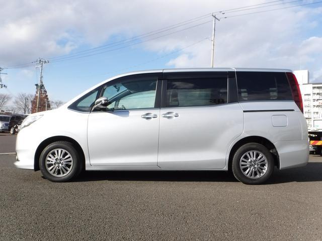 トヨタ エスクァイア Xi i-stop 純正SDナビ リアカメラ 両側電動ドア