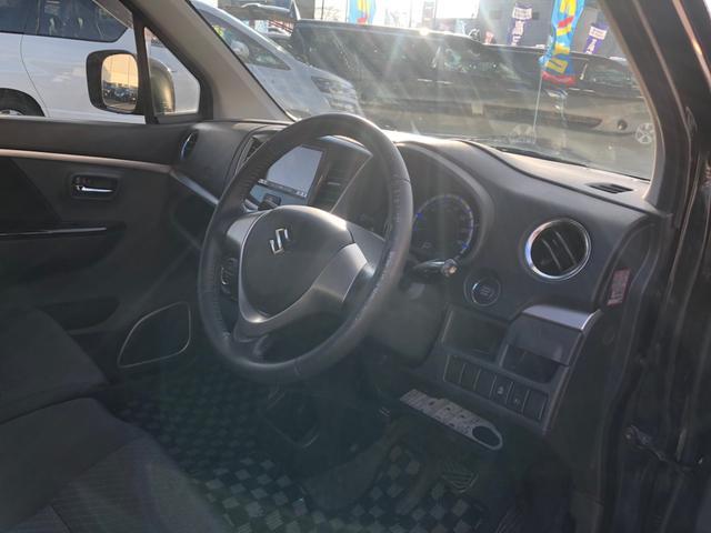 X 当社下取車 メモリーナビ フルセグTV DVD・CD再生 Bluetooth接続 アイドリングストップ ETC 革巻きステア スマートキー プッシュスタート 純正アルミ HIDライト オートライト(12枚目)