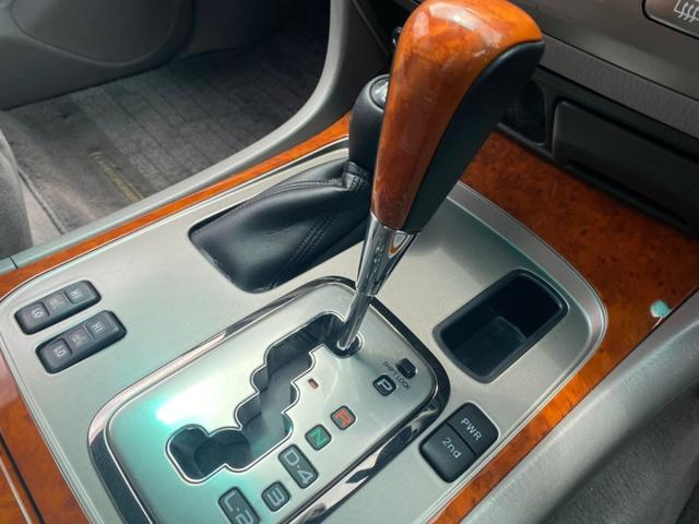 VXリミテッド ツーリングエディション 4WD DVDナビ CDチェンジャー バックカメラ ETC クルーズコントロール ルーフレール ウッドコンビステア シートヒーター 電動アンテナ フォグ リアスポイラー オートライト キーレス(5枚目)