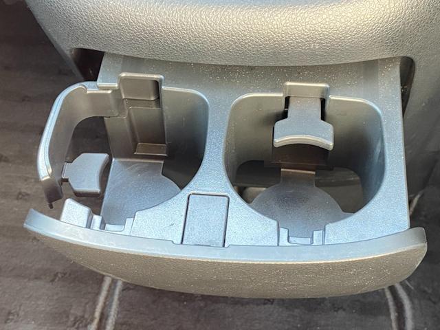 ハイウェイスター Vエアロセレクション 後期型 禁煙車 純正HDDナビ CD・DVD再生 フルセグTV Bluetooth接続 ETC バックカメラ オートエアコン 両側電動スライドドア HIDヘッドライト フォグランプ 純正アルミホイール(26枚目)