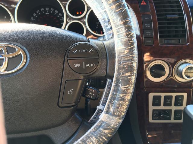 プラチナム V8 4WD サンルーフ 革 26インチAW(20枚目)