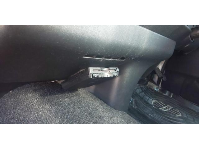 GL 4WD 新規ローダウン 新品COBRA17インチ 新品COBRAバッドフェイス ナビ フリップダウン ETC 新品ダズフェロウズ 新品COBRAオーバーフェンダー TCMダンパー デフ上げKIT装着(11枚目)