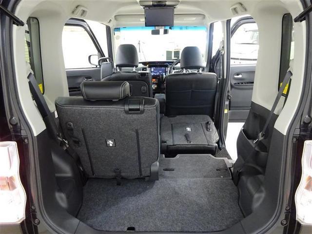 トランクの開口部が低いことと幅広い開口部で重い荷物もラクに積み降ろしができます♪