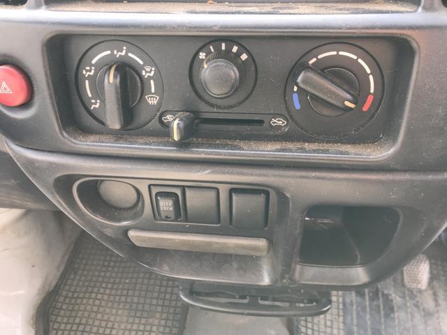 4WD MT 軽トラック ホワイト(11枚目)