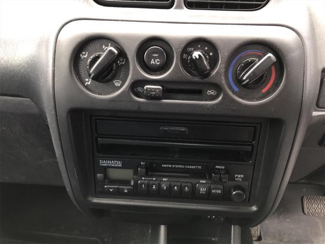軽自動車 4WD シルバーメタリック AT AC 電格ミラー(9枚目)