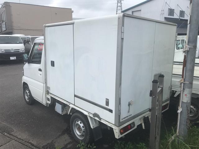 4WD エアコン マニュアル 軽トラック ホワイト(4枚目)