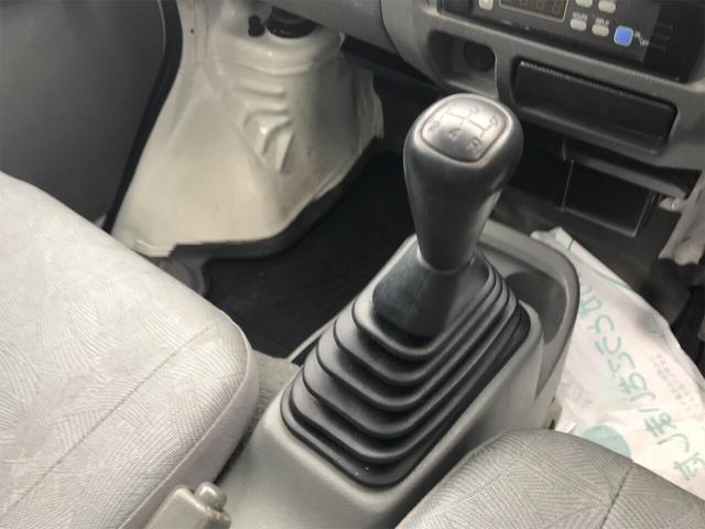 4WD AC MT 軽トラック オーディオ付 ホワイト(9枚目)