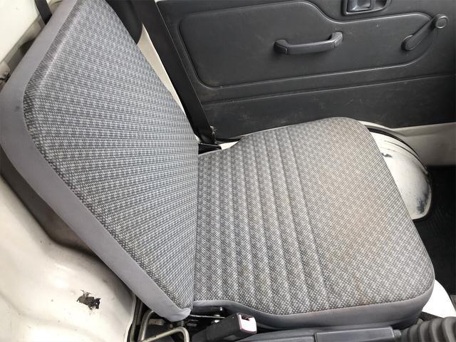 4WD エアコン 5速マニュアル 軽トラック ホワイト(5枚目)