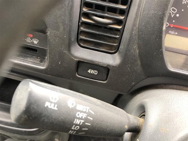 4WD エアコン 5速マニュアル 軽トラック ホワイト(8枚目)