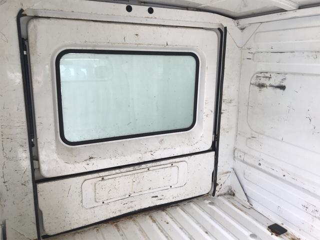4WD エアコン 5速マニュアル 軽トラック ホワイト(12枚目)