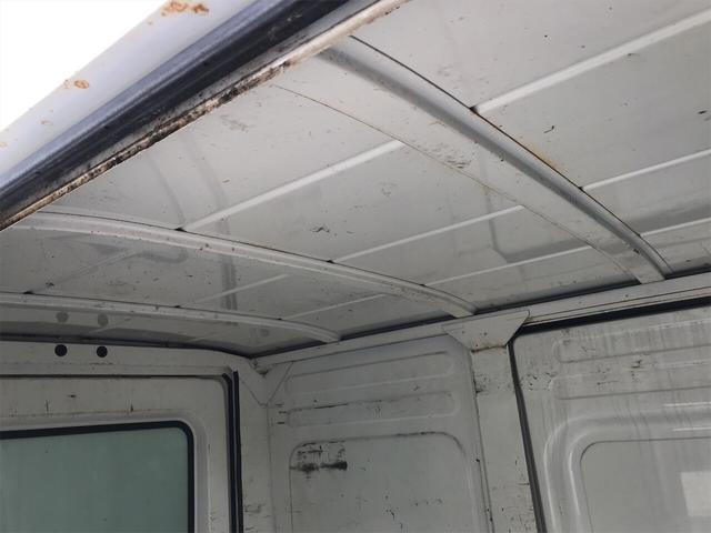4WD エアコン 5速マニュアル 軽トラック ホワイト(13枚目)