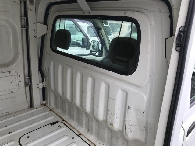4WD エアコン 5速マニュアル 軽トラック ホワイト(14枚目)