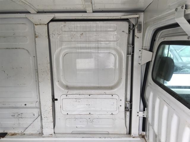 4WD エアコン 5速マニュアル 軽トラック ホワイト(15枚目)