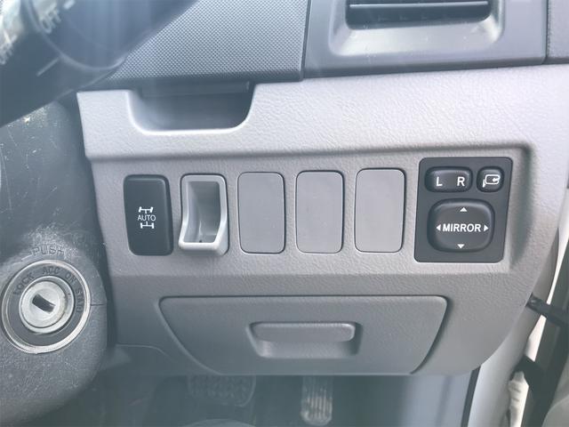 Z 煌 切替4WD 3列シート キーレスエントリー ダブルエアコン(6枚目)