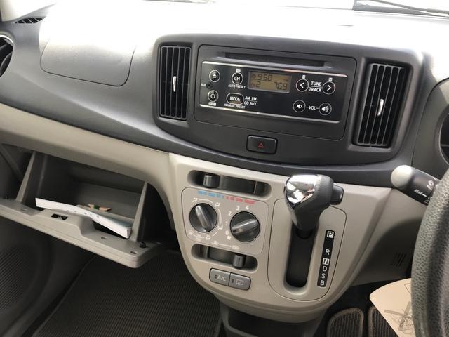 Xf 4WD CDデッキ アイドリングSTOP キーレス ETC(9枚目)