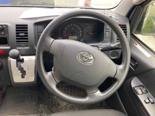 4WD ワンボックス AC オーディオ付 AT(7枚目)