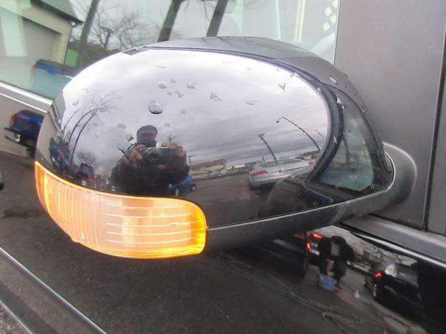 ミラーウィンカーなので対向車からの視認性も良く、ドレスアップ効果もございます♪安全面も上がるのでついていると便利です♪